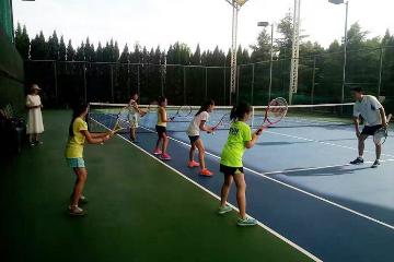 寶貝營天下網球營上海天馬中心青少兒網球培訓圖片