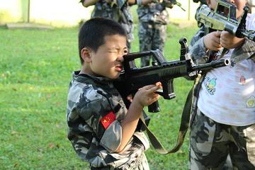 中國青少年軍事夏令營中國青少年軍事夏令營7天體驗營圖片圖片