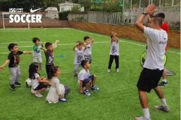 宝贝营天下足球营耐克足球营(闵行文化公园足球场)图片