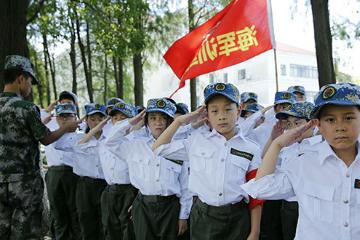 """上海西點軍事夏令營上海西點2021年軍事夏令營14天高""""芯""""探索營圖片"""
