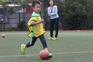 动吧体育动吧体育足球体验培训图片