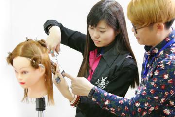 北京大美東方化妝培訓學校超級美發師全能班圖片圖片