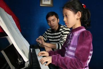 广州红棉艺校红棉少儿钢琴培训凯发k8App图片图片