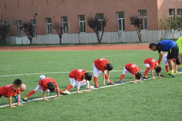 贝乐康少儿足球培训贝乐康少年足球培训凯发k8App图片图片