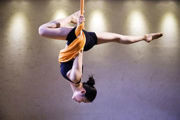 广州罗曼瑜伽教练培训学校广州空中瑜伽教练培训凯发k8App图片图片