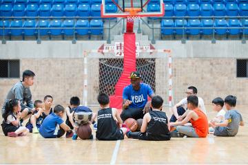 上海YBDL青少年篮球发展联盟上海YBDL青少年篮球走训班图片