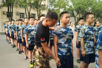 武漢投石黃埔軍事夏令營7天少帥CEO軍事體驗營圖片圖片