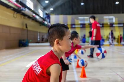 北京未來籃圖青少兒籃球俱樂部北京未來籃圖基礎籃球訓練課程圖片